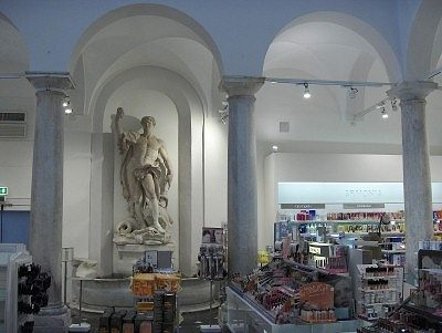 Upim warenhuis, Genua; Upim department store, Genoa