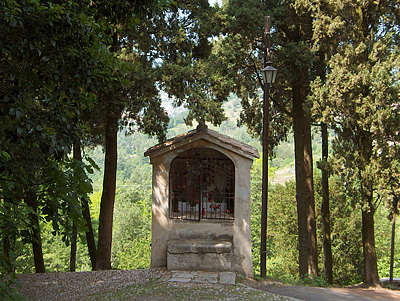 Wegaltaar in Asolo (TV, Veneto, Italië); Wayside shrine, Asolo (TV, Veneto, Italy)