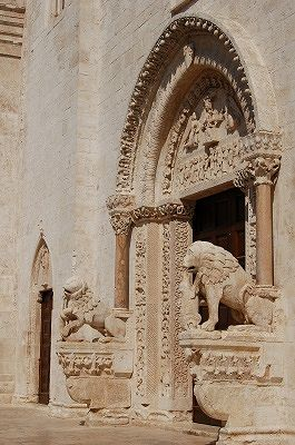 Kathedraal van Bitetto (Apulië, Italië); Bitetto Cathedral (Apulia, Italy)
