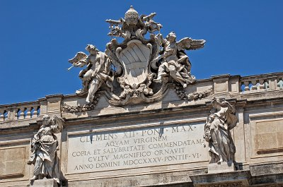 Trevifontein (Rome); Trevi Fountain (Rome, Italy)