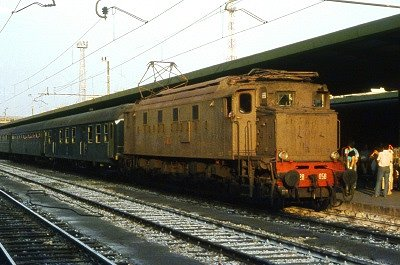 Electrische locomotief E626 (Bari, Italië); Electric locomotive E626 (Bari, Italy)