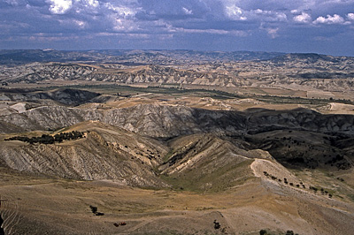 Heuvels bij Craco (MT, Basilicata, Italië); Hills near Craco (MT, Basilicata, Italy)
