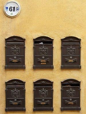 Brievenbussen in Lanciano (Abruzzen, Italië); Letter-boxes in Lanciano (Abruzzo, Italy)
