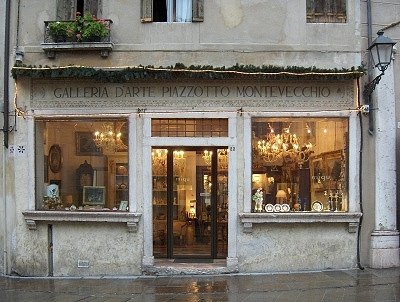 Kunsthandel (Bassano del Grappa, Italië); Art shop(Bassano del Grappa, Italy)