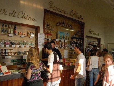 Kloosterbar van Monte Senario (Vaglia, Toscane); Bar at the convent of Monte Senario (Tuscany)
