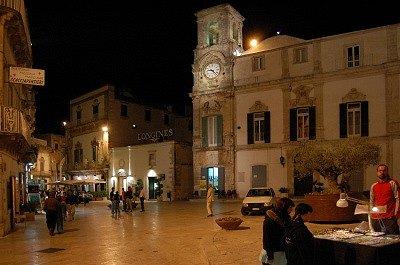 Piazza Plebiscito (Martina Franca, Italië); Piazza Plebiscito (Martina Franca, Italy)
