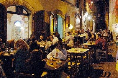 Restaurant in Tagliacozzo (Abruzzen, Italië); Restaurant in Tagliacozzo (Abruzzo, Italy)