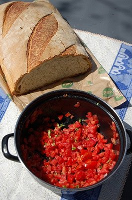 Brood en tomaat (Abruzzen, Italië); Bread and Tomato (Abruzzo, Italy)
