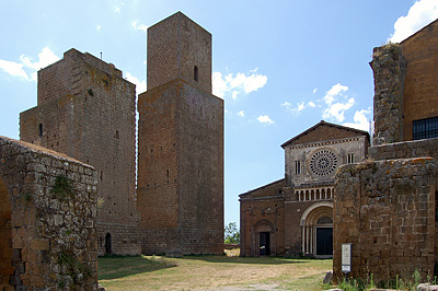 San Pietro, Tuscania (VT, Lazio, Italië); San Pietro, Tuscania (VT, Lazio, Italy)