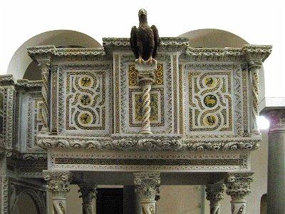 Evangeliekansel (Ravello, Campanië, Italië).; Pulpit of the Gospels (Ravello, Campania, Italy.