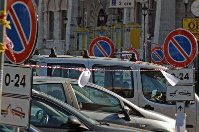 Verboden te parkeren! Rome; No parking! Rome