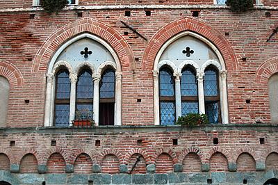 Stadhuis,Noli (Ligurië, Italië); Palazzo Comunale, Noli (Liguria, Italia)
