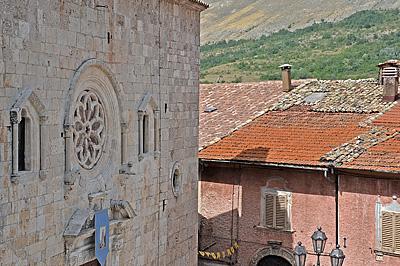 Collegiale kerk van Ortona dei Marsi (Abruzzen); Ortona dei Marsi (Abruzzo, Italy)