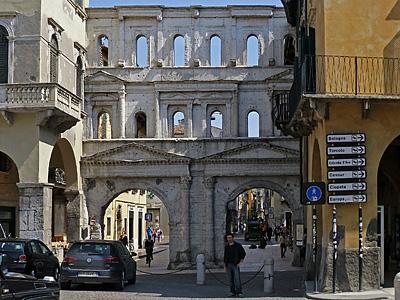Porta dei Borsari, Verona, Italië; Verona