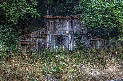 Oude schuur, Toscane, Italië; Old shed, Garfagnana, Tuscany, Italy