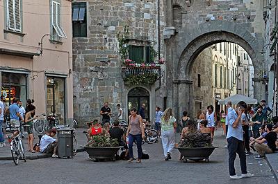 Porta dei Borghi, Lucca, Toscane, Italië; Porta dei Borghi, Lucca, Tuscany, Italy