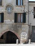 Fonteintje in Asolo (Veneto, Italië); Little fountain at Asolo (Veneto, Italy)