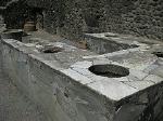 Thermopolium, Pompeii, Campanië, Italië; Thermopolium, Pompeii, Campania, Italy