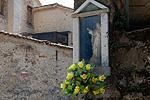 Muurschrijn, Asolo (TV, Veneto, Italië); Votive wall shrine, Asolo (TV, Veneto, Italy)