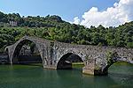 Ponte della Maddalena, Borgo a Mozzano, Italië; Ponte della Maddalena, Borgo a Mozzano, Italy