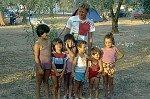 Tussen de kinderen (Apulië, Italië); Between the children (Apulia, Italy)